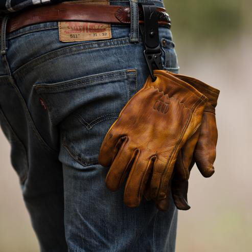 Skinnhandskar från Crud tillverkade i kromfritt naturgarvat koskinn.