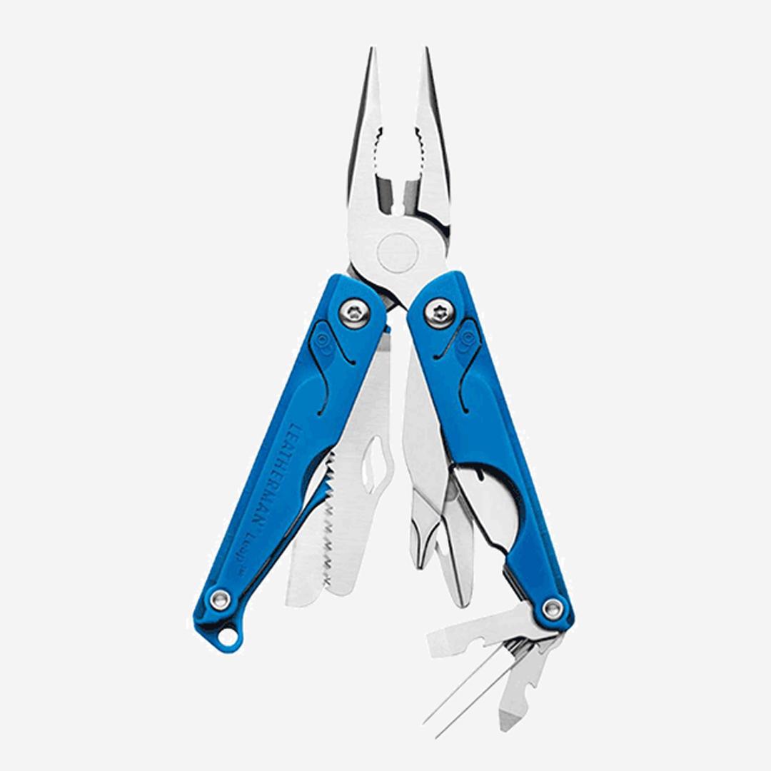 Multiverktyg för barn med ett löst knivblad som kan monteras på i efterhand.