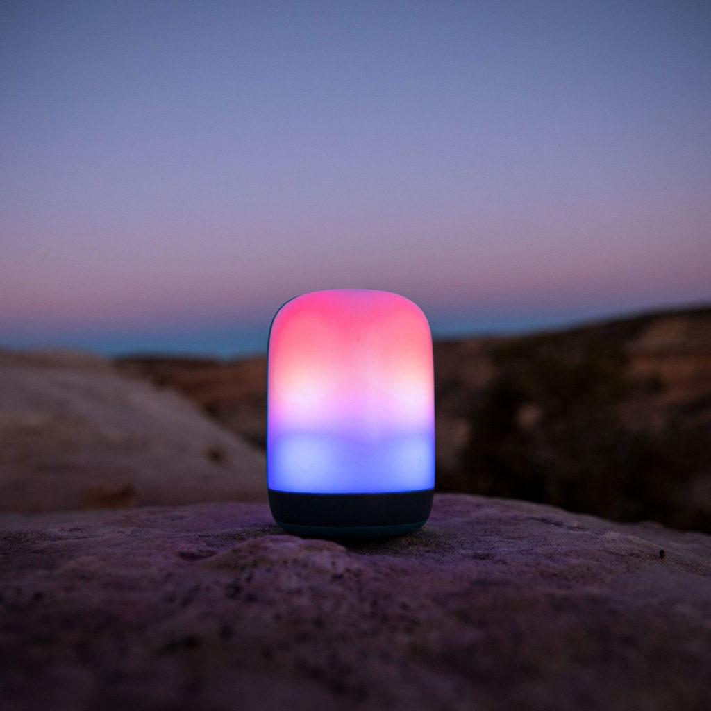 multicolor-led-light-camping-biolite-alpenglow