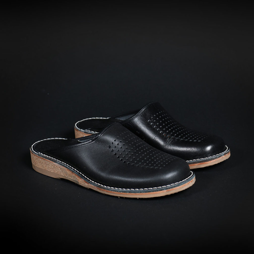 patrik-balck-vegetable-tanned-docksta-slipper